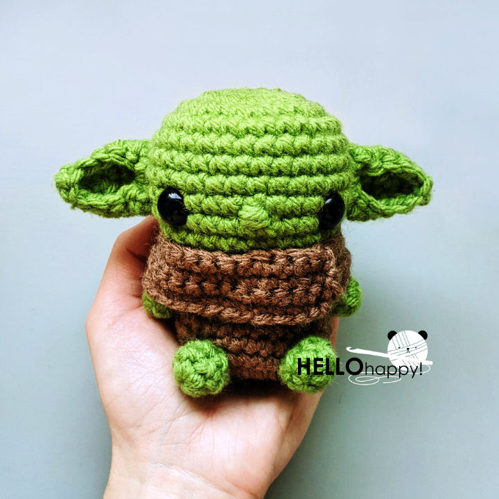 Love to crochet, do you? This Yoda pattern is perfect for any Star ... | 720x720